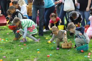 Killingly Easter Egg Hunt @ Davis Park, Danielson | Killingly | Connecticut | United States